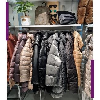 ¡¡Todas las cazadoras a 30 euros!!  ¿Vas a perder la oportunidad? . . . . . . . . #moda #modamujer #abrigos #cazadoras #descuentos #rebajas #rebajasvitoria #modaalava #tiendasvitoria #comerciolocal #vitoriagasteiz #gasteiz
