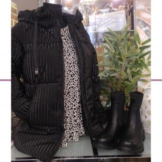 Look de la semana. 🍂   . . . . . . . . . . . . #otoño #outfit #ootd #outfitinspiration #looksdeotoño #moda #modaalava #modagasteiz #gasteiz #tiendasvitoria #comerciolocal #tiendasderopa #gasteizon #asociacioncallegorbea