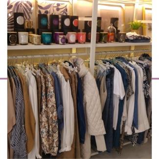 Ya casi es fin de semana . Vente a Mobb a ver nuestra colección de otoño, los complementos, nuestros aromas, decoración para el hogar, muebles…. ¡Y mil cosas más! 😉  . . . . . . . . . . #tiendasvitoria #tiendasgasteiz #comerciolocal #moda #complementos #modavitoria #modaalava #mueblesvitoria #tiendademuebles #deco #decolover #decoracionvitoria