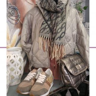 Look de la semana.  . . . . . . . . #look #outfit #outfitinspiration #inspiracionlooks #modaalava #modavitoria #tiendasvitoria #tiendasdemoda #estilo #fashion #shooping #shoppinggasteiz