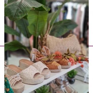 Aprovecha los descuentos que tenemos para renovar tu calzado de verano. ¡O para darte un capricho!😉  . . . . . . . #calzado #shoes #shoesaddict #zapatos #sandalias #zuecos #zapatosvitoria #tiendasvitoria #vitoriagasteiz #moda #complementos #modaalava #modavitoria #shopping #rebajas #rebajasvitoria #rebajasdemoda #renuevatuarmario