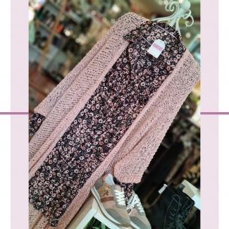 ¿La primera, o la segunda? Encuentra la diferencia😉  . . . . . . . . #moda #modamujer #modafemenina #otoño #modaotoño #fashion #estilo #mujeresconestilo #shopping #shoppinggasteiz #gasteiz #gasteizon #asociacioncallegorbea