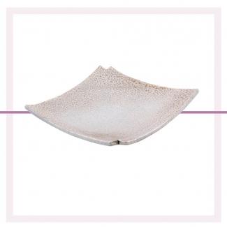 Pon un toque elegante en la mesa de tu comedor o en la entrada de tu casa con una bandeja como ésta. También se puede utilizar de vacía bolsillos.   En Mobb Regalos tenemos muchas cositas de decoración. ¡Ven a conocernos!   . . . . . . . #deco #decolover #centrodemesa #vaciabolsillos #decoracion #decoratuhogar #decoracionvitoria #vitoriagasteiz #tiendasvitoria #comerciolocal #yocomprolocal